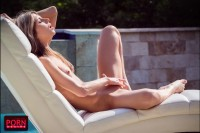 VR Porn Gina Gerson Plays by the Pool